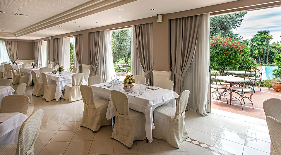Sale Piccole Moderne : Sale u hotel touring